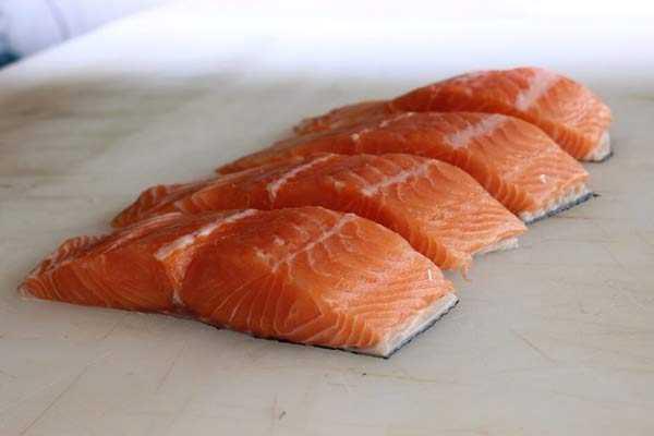 засолить красную рыбу малосольным способом